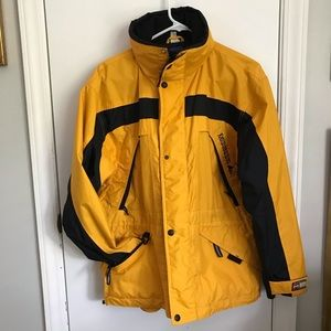 Mobius All Terrain light yellow jacket with hood